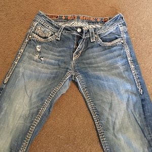 I'm selling a brand new pair of rock revival's